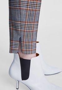SET - Trousers - blue - 3