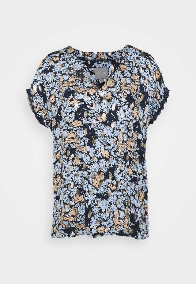 GISELLE CAPSLEEVE - Printtipaita - cashmere blue
