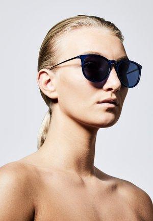 VANILLE - Sunglasses - blue