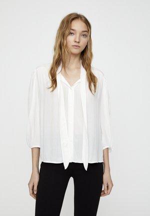 MIT 3/4-ÄRMELN UND SCHLEIFE 05474380 - Button-down blouse - white