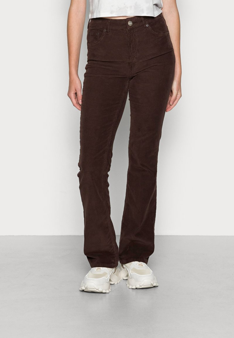 BDG Urban Outfitters - FLARE - Bukse - chocolate