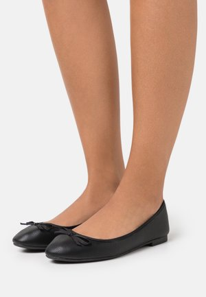 WIDE FIT LAIREY - Ballet pumps - black