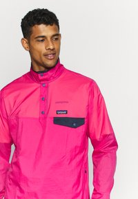 Patagonia - SNAP - Veste coupe-vent - ultra pink - 5