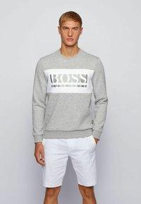 BOSS - SALBO - Sweatshirt - light grey - 0
