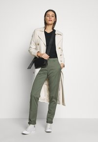 Esprit - Pantalones chinos - khaki green - 1
