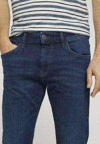 TOM TAILOR - TROY  - Slim fit jeans - stone wash denim - 4