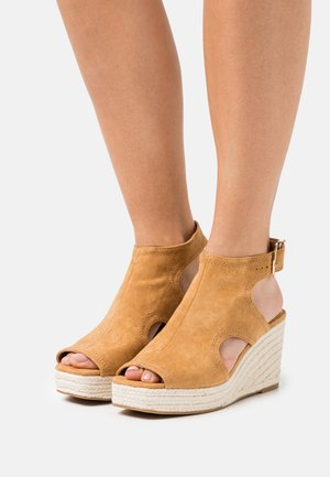 Platform sandals - brown light