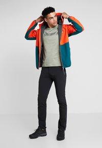 Regatta - AREC  - Soft shell jacket - orange/teal - 1