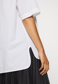Weekday - LESLEY - Button-down blouse - white - 5