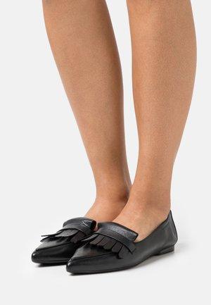 SHAUNA - Nazouvací boty - schwarz