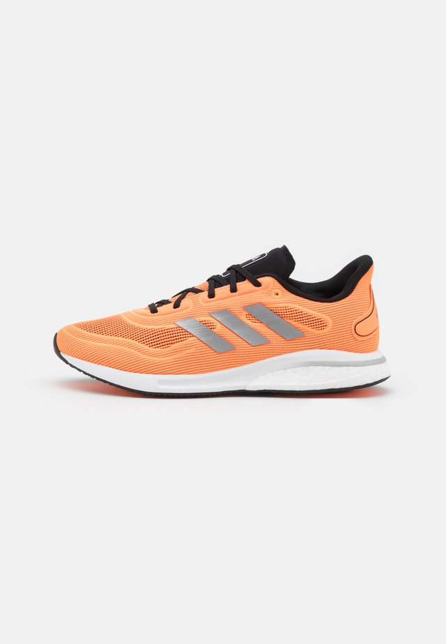 SUPERNOVA - Zapatillas de running neutras - screaming orange/core black/footwear white