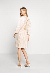 NA-KD - PLEATED OPEN BACK DRESS - Day dress - light pink - 2
