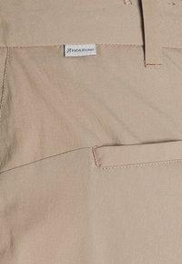 Houdini - WADI PANTS - Pantaloni - beige - 4
