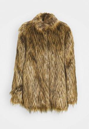 Winter coat - cammello
