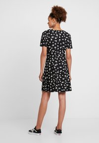 Pieces - PCLIJA DRESS - Jersey dress - black