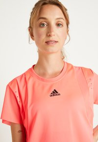 adidas Performance - TEE H.RDY - Print T-shirt - pink - 6