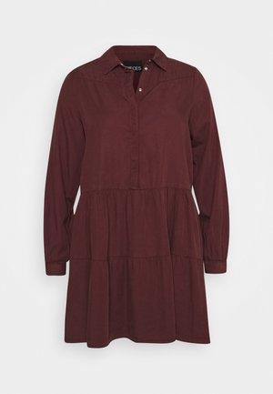PCRIVER MIX DRESS - Shirt dress - decadent chocolate