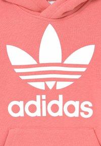 adidas Originals - TREFOIL HOODIE UNISEX - Mikina skapucí - hazy rose/white - 2