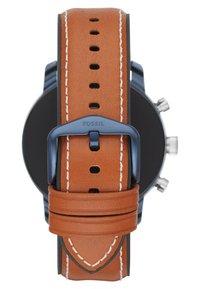 Fossil Smartwatches - EXPLORIST - Smartwatch - braun - 2