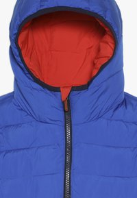 Superdry - REVERSIBLE FUJI - Winter jacket - fire orange/cobalt - 4