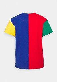Karl Kani - SIGNATURE BLOCK TEE - Print T-shirt - multicolor - 8