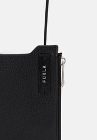 Furla - TECHNICAL PHONE HOLDER UNISEX - Mobiltasker - nero - 3