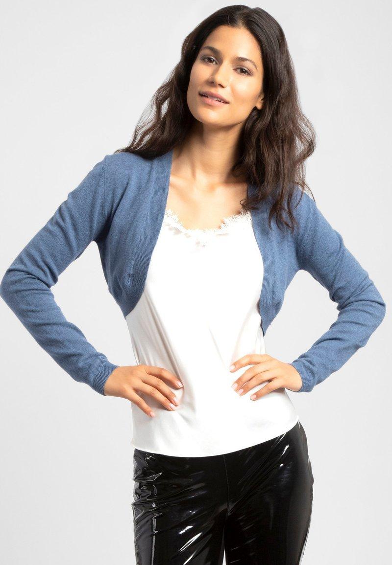 Apart - Cardigan - jeans blue