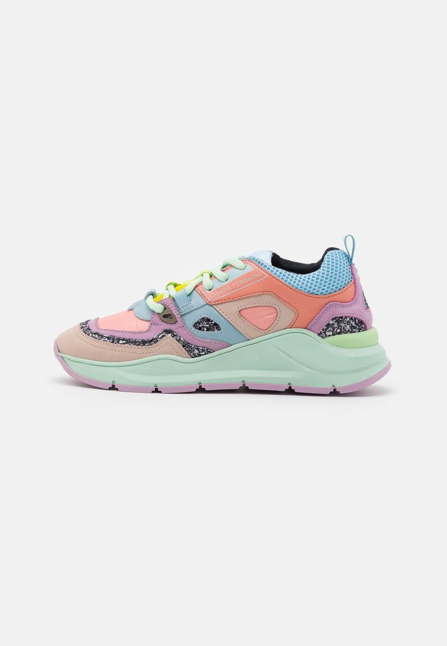 RUNNING PATCHWORK - Trainers - multicolors