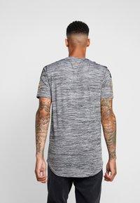 Supply & Demand - HOLT  - T-shirts print - grey marl - 2