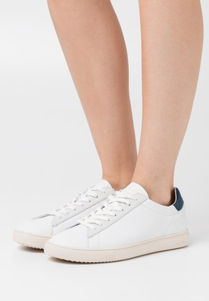 BRADLEY - Zapatillas - white/blue