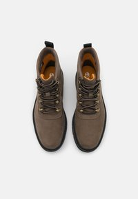 Timberland - RAYWOOD ALPINE HIKER - Lace-up ankle boots - dark green - 5