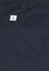 Jack & Jones - JJIDAVE 2 PACK - Shorts - navy blazer - 7