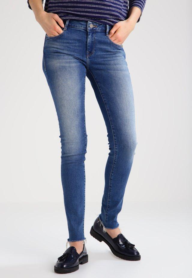 ADRIANA - Jeans Skinny - fringe sunset