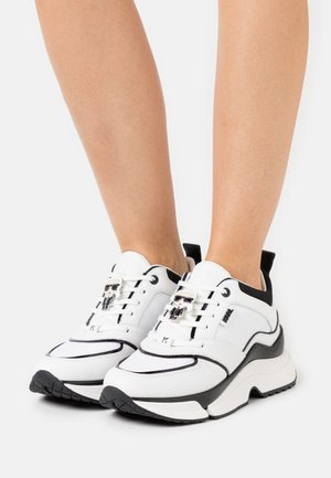 AVENTUR ASTRAL PLANE - Sneakers laag - white/black