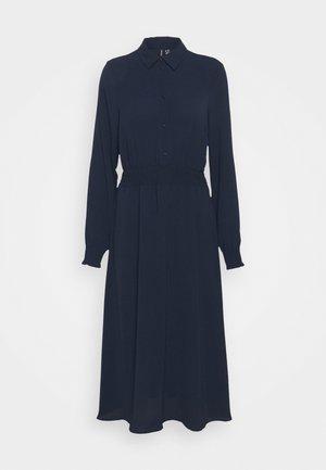 VMSAGA SMOCK CALF DRESS - Vestido largo - navy blazer