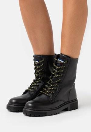 DOUBLE DETAIL LACE UP BOOT - Snørestøvletter - black