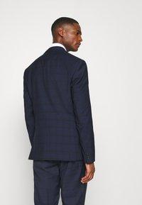 Calvin Klein Tailored - TELA CHECK NATURAL SUIT - Traje - blue - 3