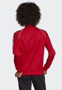 adidas Originals - SST TRACK TOP - Bombejakke - red - 1
