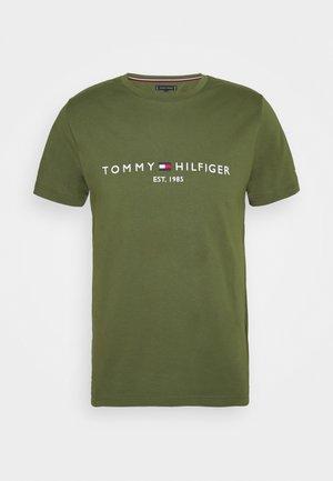 LOGO TEE - T-shirts print - putting green