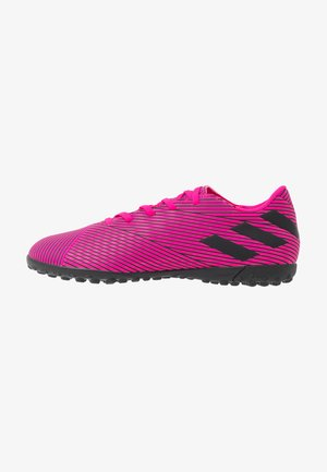 NEMEZIZ 19.4 TF - Astro turf trainers - shok pink/core black
