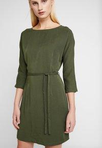 Another-Label - LYNCH DRESS - Shirt dress - rifle green - 0