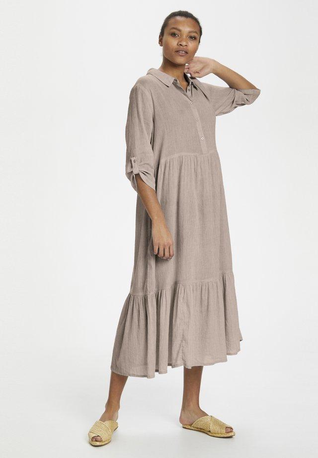KAVIVIAN  - Skjortklänning - ermine