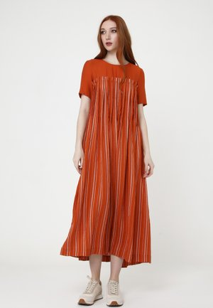Snura - Day dress - ingwer, weiß