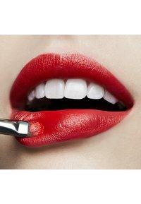 MAC - LOVE ME LIPSTICK - Lipstick - shamelessly vain - 2