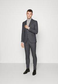 Selected Homme - SLHSLIM-MYLOLOGAN  - Anzug - dark grey - 0