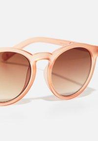 Molo - SUN SHINE - Sunglasses - tropical peach - 3