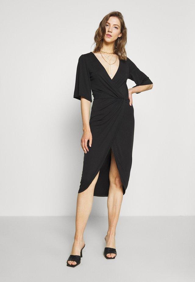 OBJNADINE DRESS - Sukienka etui - black