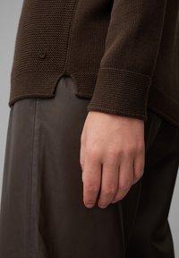 Marc O'Polo - STRUCTURE MIX TURTLENECK - Jumper - dark chocolate - 4