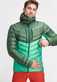 Mammut - BROAD PEAK  - Winter jacket - deep emerald-woods - 0