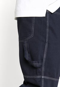 Kickers Classics - DRILL TROUSER WITH TOPSTITCH - Jeans relaxed fit - navy - 4